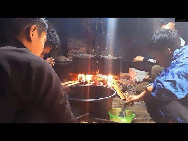 Khám Phá Xem Người Hmong Chế Biến Thức Ăn - Bữa Cơm Ra Nhập Nhà Mới /chứ hà giang