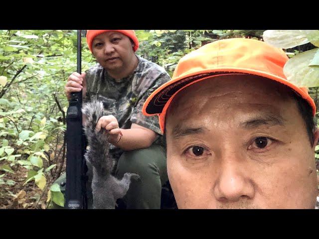 Episode 22 Hmong Squirrel Hunting - Coj Kuv Tus Niamtsev Mus Tua Nas 2020