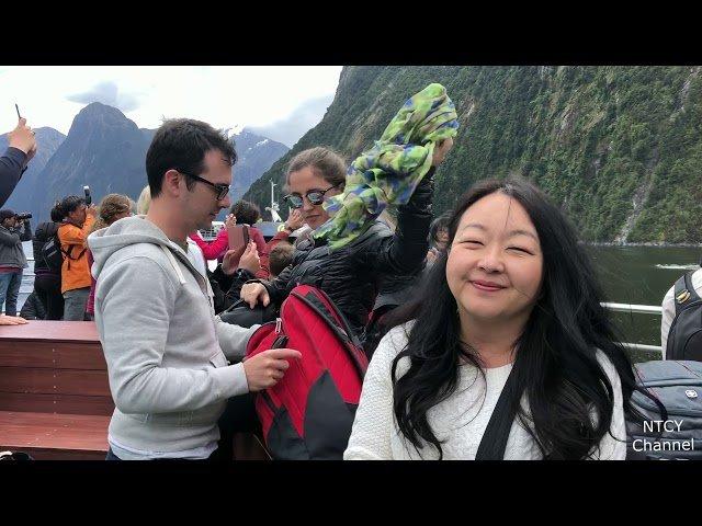 Hmong Mekas Vacationing New Zealand