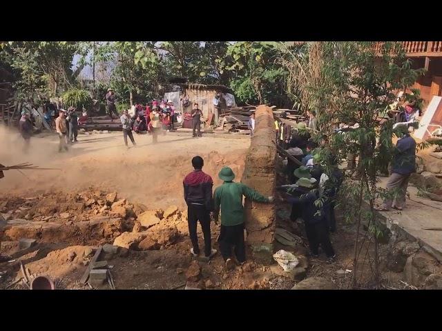 Nhà Trình Tường Đất Của người Hmong Cận Cảnh phá nhà đông vui trên vùng cao Sin suối hồ lai châu